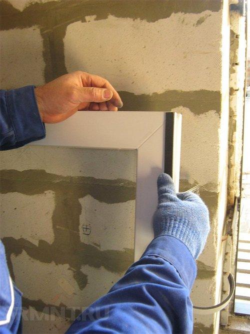 Монтаж уплотнительной ленты ПСУЛ на окно