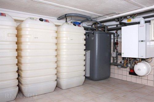 Баки с топливом в дизельной котельной