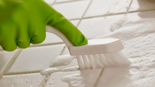 Как почистить швы между плиткой в ванной