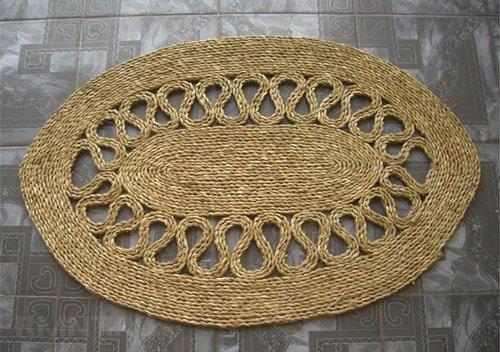 Входной коврик, сплетённый косичкой из соломы
