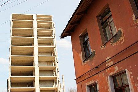 Минстрой создал реестр жалоб граждан на некачественное жилье для расселения