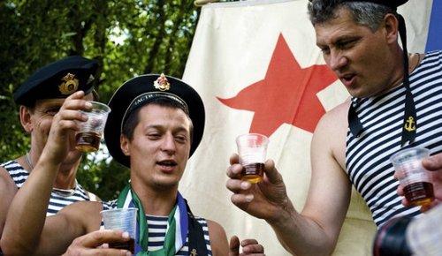 Продолжительность жизни мужчин и женщин в России: статистика