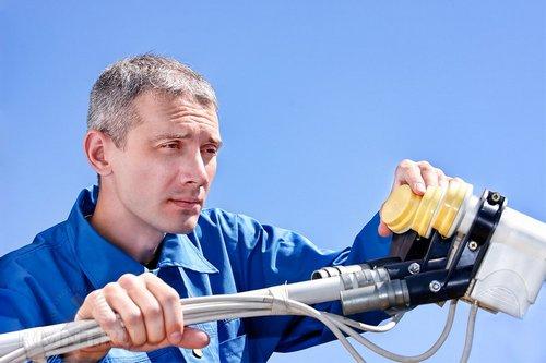 Спутниковое ТВ: как самостоятельно смонтировать и настроить оборудование