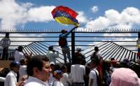 Венесуэла, разрывает дипотношения, с Колумбией