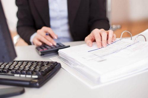 Кому нужны бухгалтерские услуги