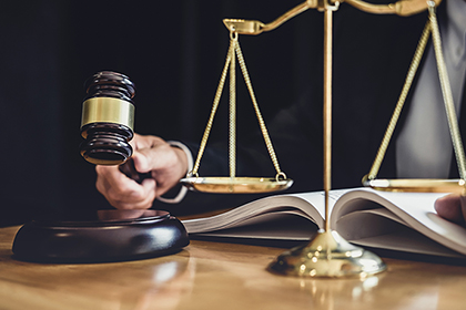 В оправдательном приговоре суд разграничил мошенничество и нарушение законодательства о госзакупках