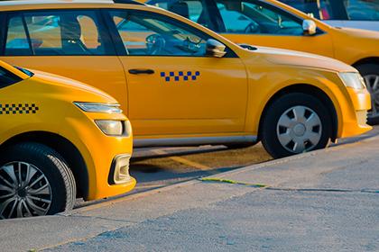 Как самозанятому водителю работать в такси?