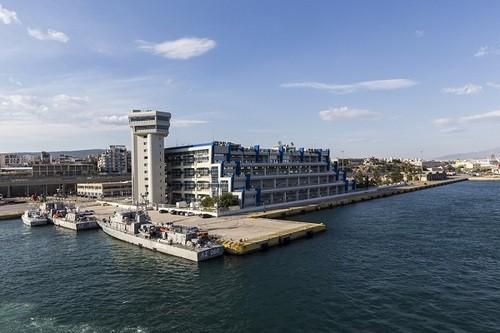 По данным Port Economics, прибыль от морских перевозок составляет примерно 6,5% от греческого ВВП — поэтому сделка сCOSCO имеет серьёзное значение дляГреции вцелом
