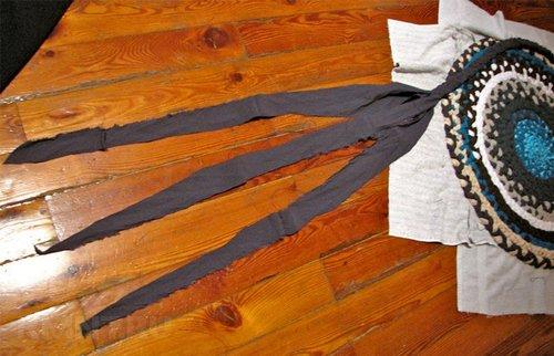 Изготовление коврика из косичек
