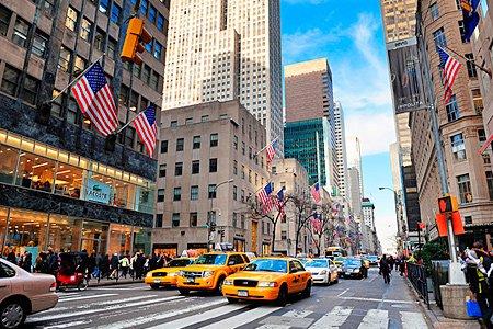 Самой дорогой улицей в мире снова стала Пятая авеню в Нью-Йорке