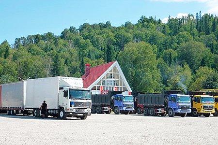 В ЛДПР хотят разрешить строить на землях лесфонда объекты придорожного сервиса